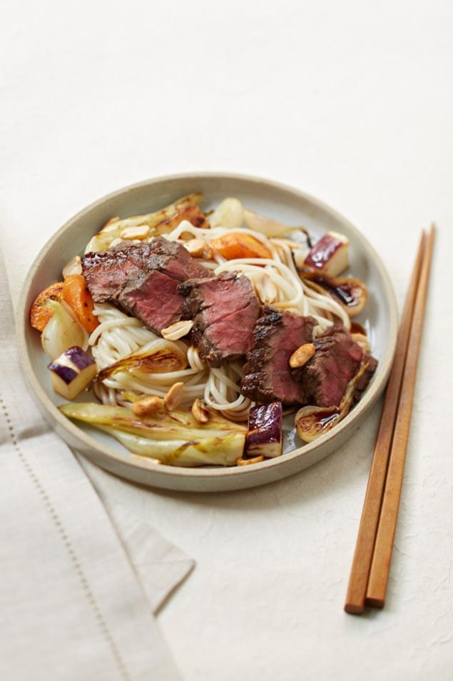 udon-aux-legumes-et-boeuf-ro%cc%82ti