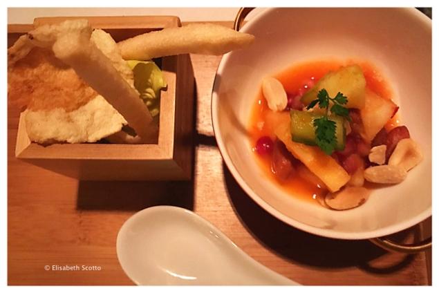 salade-de-fruits-sauce-pimentee-chips-crevettes