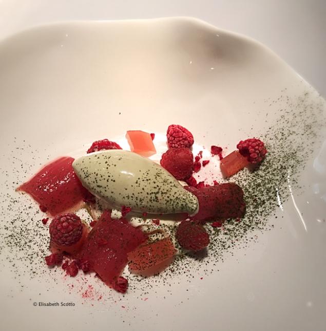 Rhuberbe, framboises, glace genmaïcha