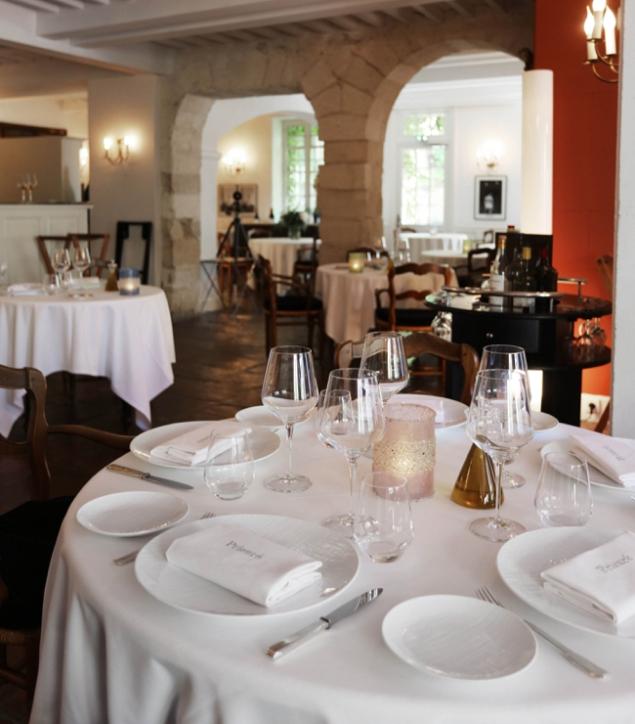 restaurant prieuré @johan meallier.jpg